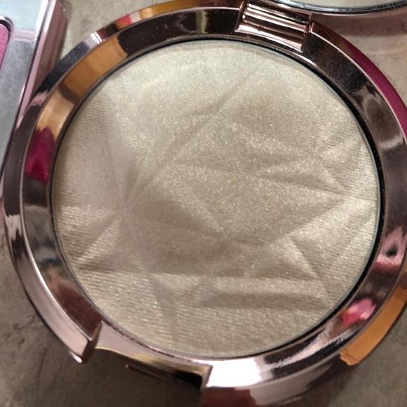 BECCA Shimmering Skin Perfector Vanilla Quartz